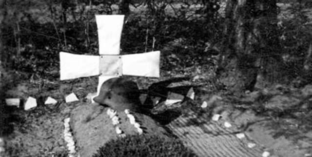 Duitse gesneuvelden en hun veldgraven